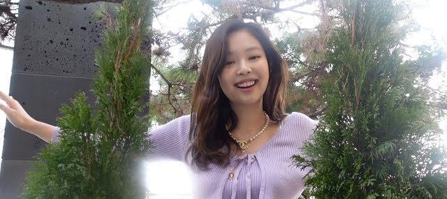 Jennie vợt luôn nút vàng danh giá chỉ sau 7 tiếng mở kênh Youtube-2
