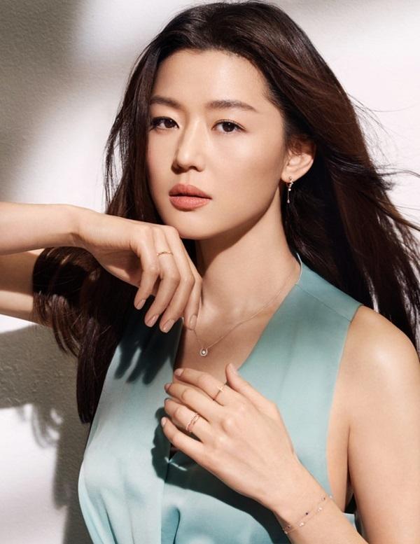 Song Hye Kyo, Jun Ji Hyun được truyền thông xứ Hàn khen hết lời trong khi Son Ye Jin bị bỏ quên-2