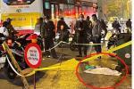 Vụ thai nhi vứt cạnh thùng rác bị ô tô cán qua: Trước đó có người đốt vàng mã rồi bỏ đi