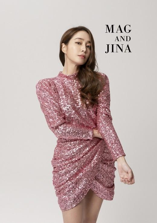 Style sao Hàn tuần qua: Lee Da Hee hack tuổi với tóc Hime chuẩn gái Nhật-6