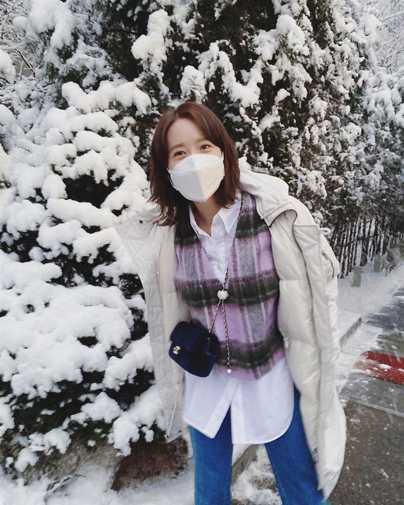 Style sao Hàn tuần qua: Lee Da Hee hack tuổi với tóc Hime chuẩn gái Nhật-14