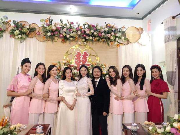 Lộ thiệp mời đám cưới ở TP.HCM của Á hậu Thúy An, Tiểu Vy xác nhận đến dự-3