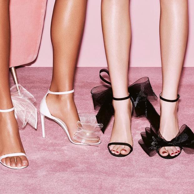 Một đôi giày 2 số phận: Lan Ngọc mix đồ như bao lì xì, Hà Hồ đơn giản vẫn sang-5
