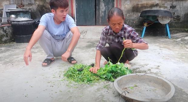 Con trai bà Tân Vlog bức xúc, cạch mặt 2 thanh niên thích ăn trực nhà mình-1