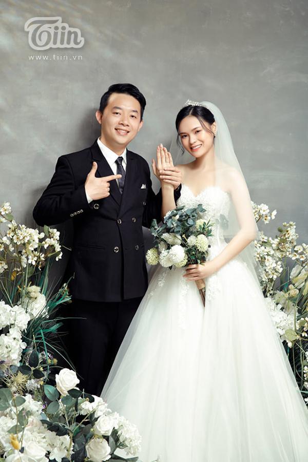 Cổng cưới long phụng sum vầy siêu to khổng lồ của cặp đôi miền Tây gây sốt mạng xã hội-9
