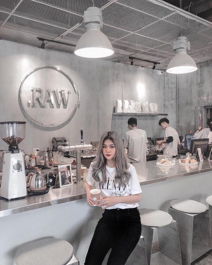 Đi đu đưa ngay những quán cafe tone xám ở Hà Nội có ảnh đẹp như studio-3