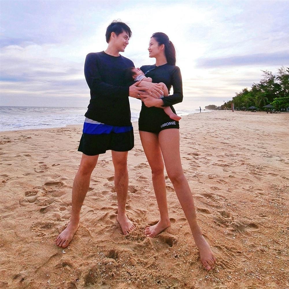 Vợ chồng Đông Nhi bị đề nghị trả cát-xê cho con gái 3 tháng tuổi-4