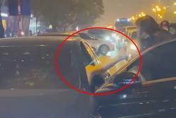 Vừa lên tiếng đã bị nói 'dại', chị vợ chặn xe Mẹc đánh ghen tiết lộ chuyện mẹ chồng