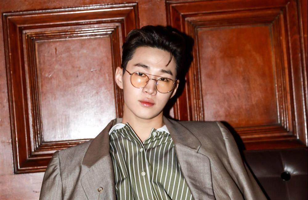 Nam thần Kpop và những câu chuyện tình buồn thời non trẻ-4