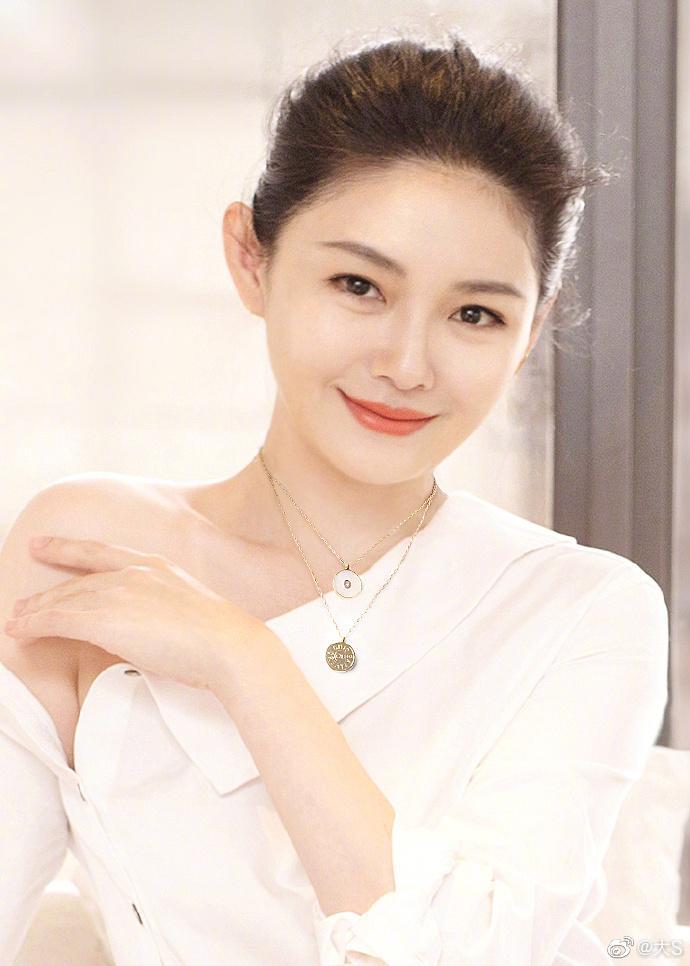 Từ Hy Viên tuổi 44 sở hữu sắc vóc trẻ trung khó tin-6