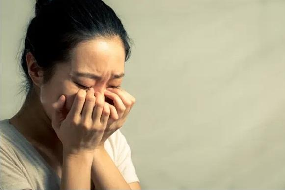 Chồng qua lại với người cũ, vợ nói vài câu mà anh vội vã van xin tha thứ-2