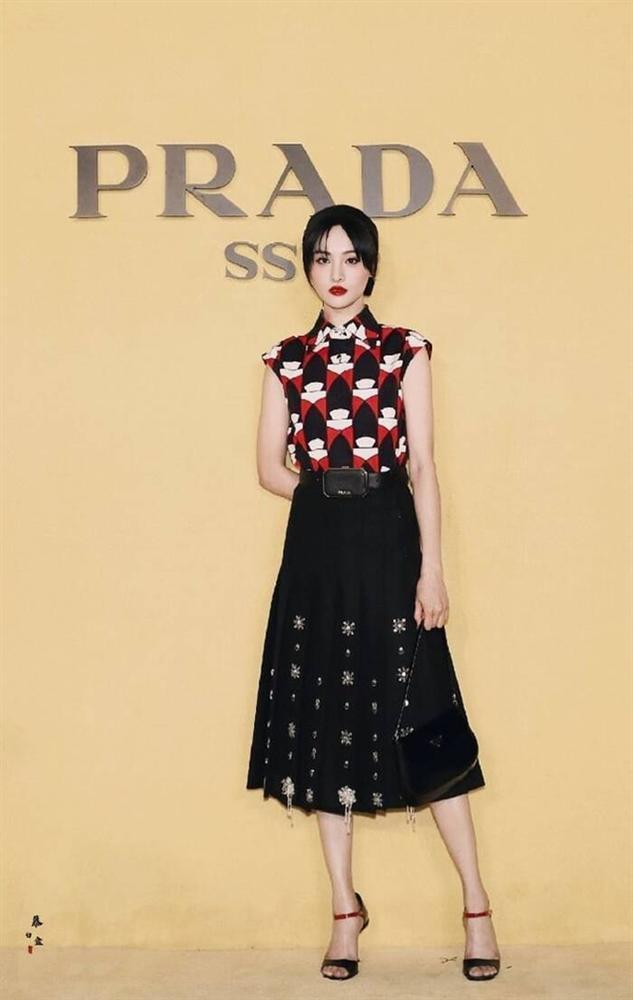 Trịnh Sảng mặc đồ Prada: Khi bị chê phèn, lúc xinh chuẩn nữ thần-6