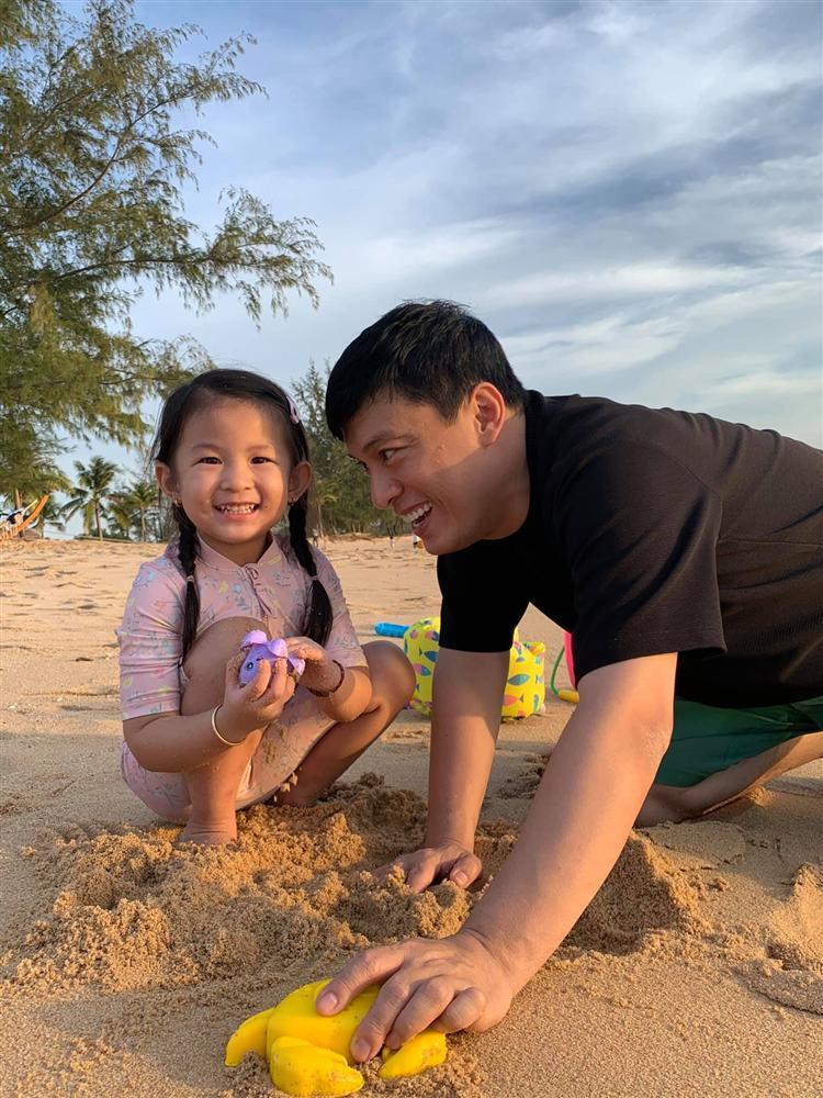 Ngoại hình con gái Lam Trường-3