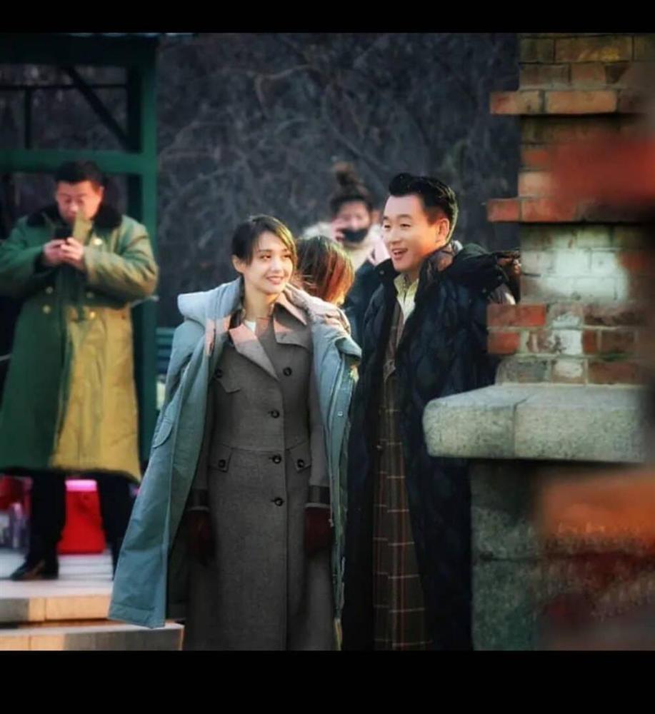 Hậu quả đầu tiên từ scandal Trịnh Sảng: Phim bị đắp chiếu vĩnh viễn, nhiều dự án vội vàng gạch tên-10