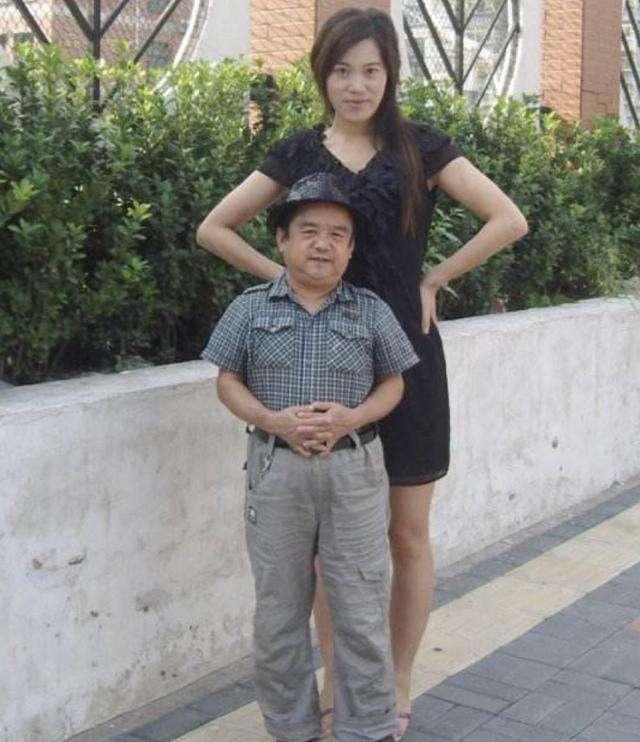 Ngoại hình diễn viên Trung Quốc - người 40 kg, người chỉ cao 1,28 m-3