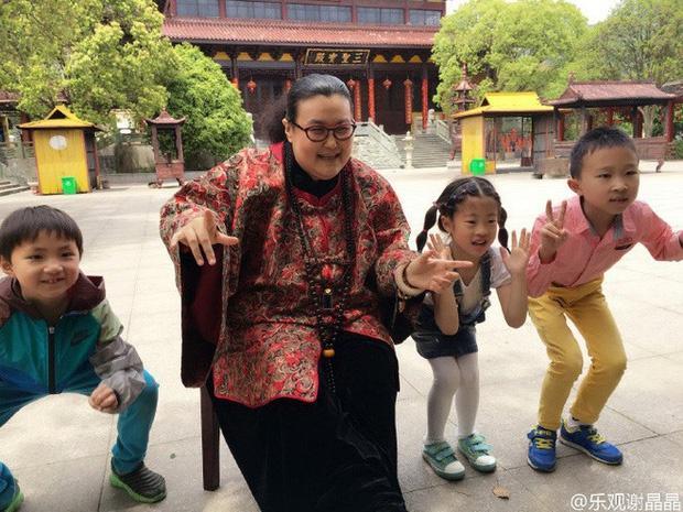 Ngoại hình diễn viên Trung Quốc - người 40 kg, người chỉ cao 1,28 m-5