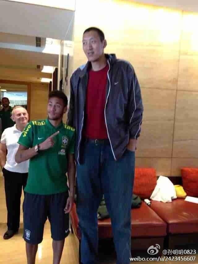 Ngoại hình diễn viên Trung Quốc - người 40 kg, người chỉ cao 1,28 m-7