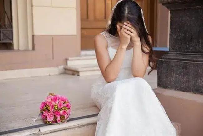 Chuẩn bị kết hôn, cô dâu nhận tin sét đánh sau lời thầm thì của chú rể-1