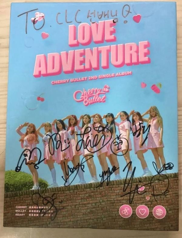 Thực hư chuyện loạt album đồng nghiệp kí tặng CLC được rao bán trên mạng-4