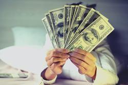 Năm 2021 những chòm nào cần cân nhắc chuyện đầu tư tiền bạc làm ăn