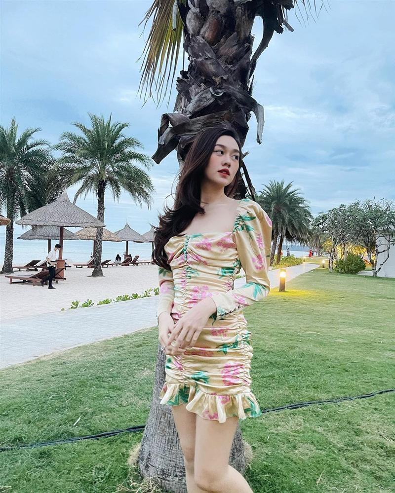 Diện đồ họa tiết chuẩn như Thanh Hằng, Hà Tăng giúp nàng nổi bật dịp Tết 2021-9