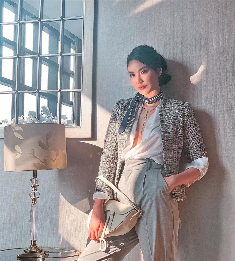 Diện đồ họa tiết chuẩn như Thanh Hằng, Hà Tăng giúp nàng nổi bật dịp Tết 2021-11