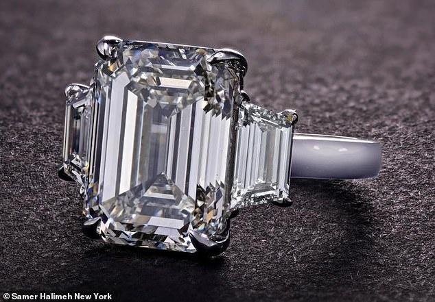 Nhẫn đính hôn của Tiffany Trump có giá hơn 1 triệu USD-2