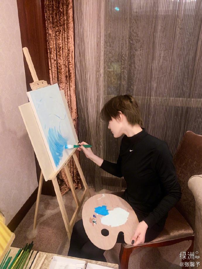 Trương Hinh Dư chứng minh tài năng hội họa xuất sắc-2