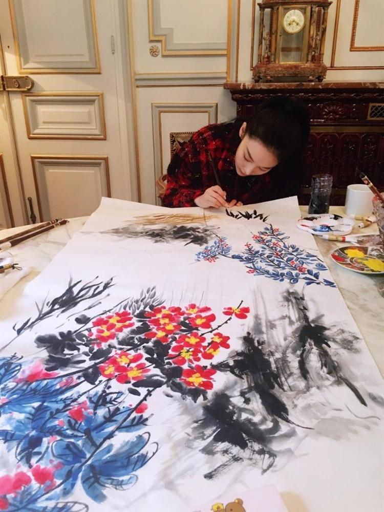 Trương Hinh Dư chứng minh tài năng hội họa xuất sắc-9