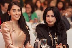 Xuất hiện bên hoa hậu Tiểu Vy, nhan sắc diva Thanh Lam gây chú ý