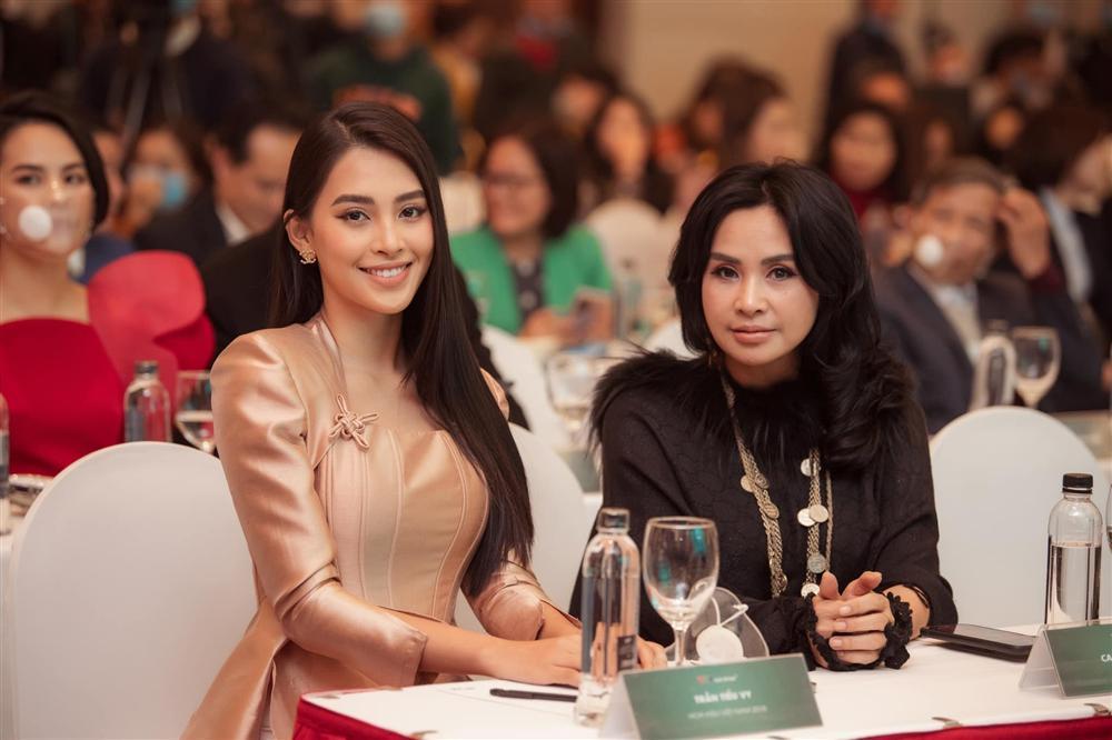 Xuất hiện bên hoa hậu Tiểu Vy, nhan sắc diva Thanh Lam gây chú ý-1