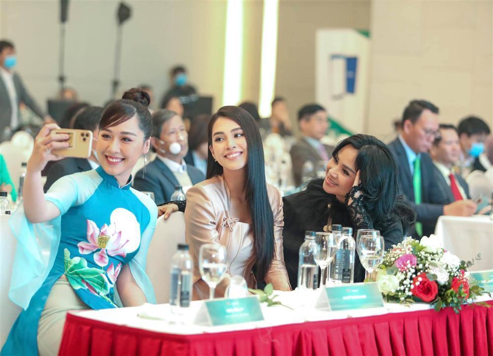 Xuất hiện bên hoa hậu Tiểu Vy, nhan sắc diva Thanh Lam gây chú ý-2