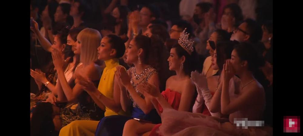 3 hoa hậu Đỗ Hà - Tiểu Vy - Mỹ Linh gây tranh cãi với ý thức đi sự kiện-4