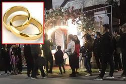 Bạn cô dâu đột nhập vào phòng lấy trộm cặp nhẫn cưới và hơn 1 cây vàng