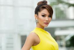 H'Hen Niê có động thái đặc biệt giữa lúc Sơn Tùng M-TP và bạn gái vướng drama tan vỡ