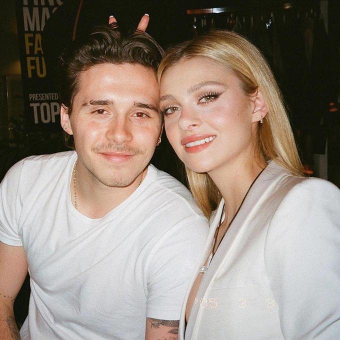 Tình thánh Brooklyn Beckham xăm thư tình của vợ sắp cưới lên gáy-2