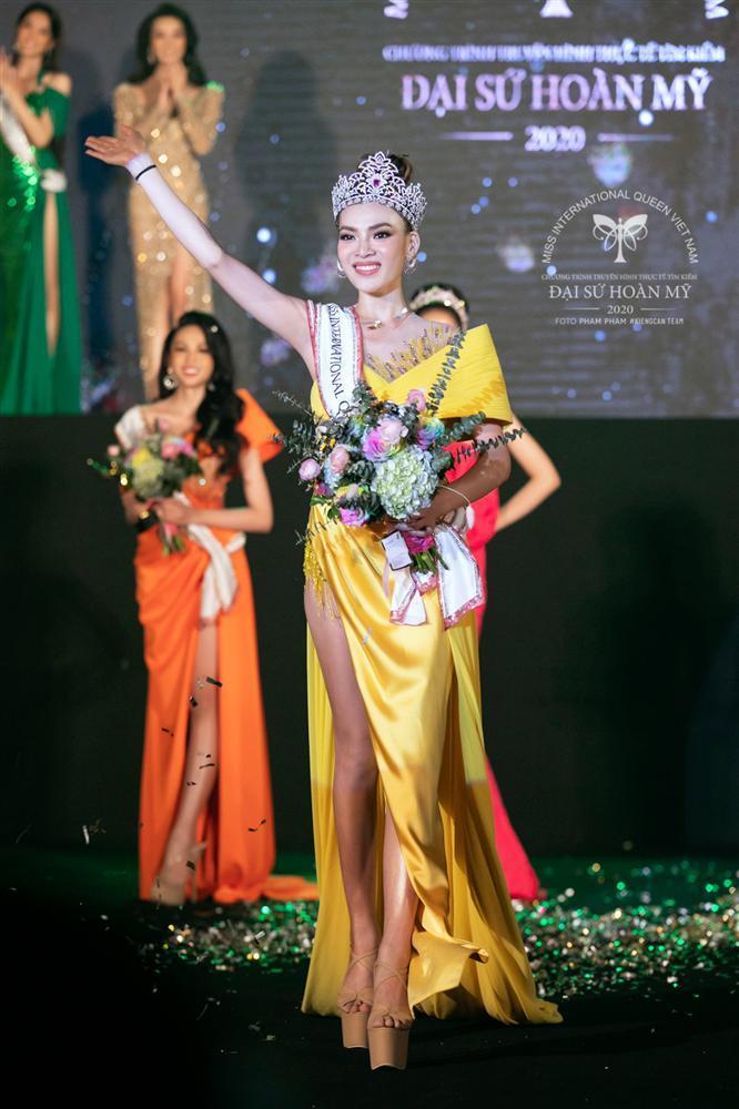 Phùng Trương Trân Đài đăng quang Hoa hậu Chuyển giới Việt Nam 2020-6
