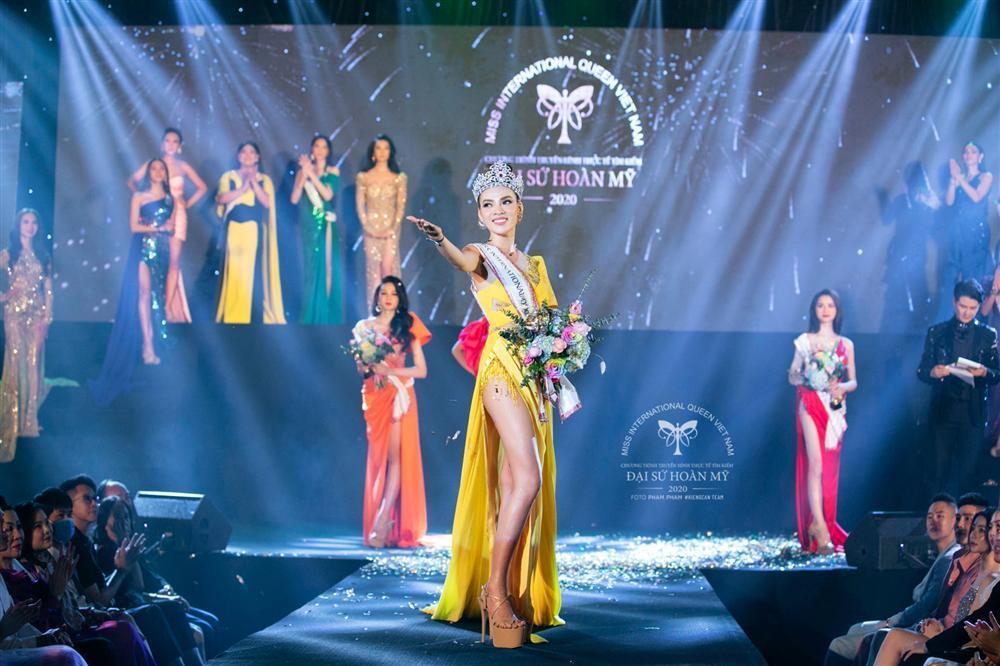 Phùng Trương Trân Đài đăng quang Hoa hậu Chuyển giới Việt Nam 2020-7