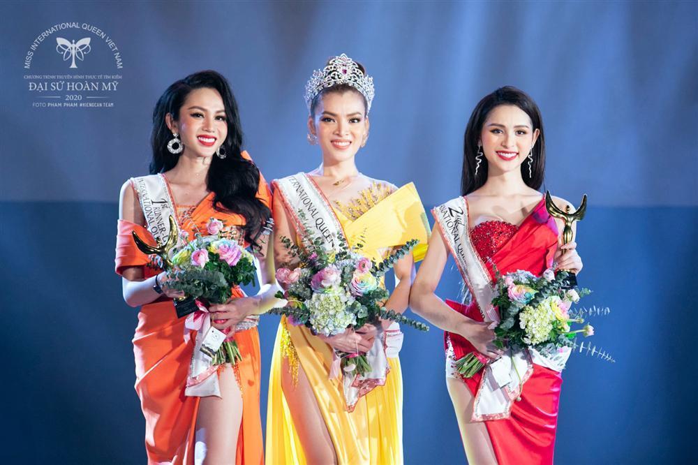 Phùng Trương Trân Đài đăng quang Hoa hậu Chuyển giới Việt Nam 2020-9