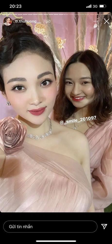 Cô dâu Nam Định tổ chức tiệc trong lâu đài, nhan sắc gái 1 con gây chú ý-2