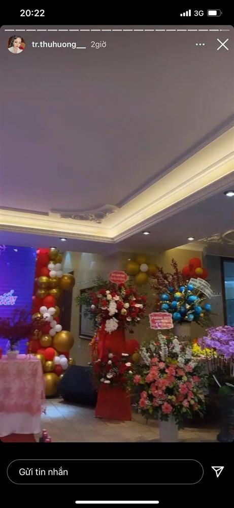 Cô dâu Nam Định tổ chức tiệc trong lâu đài, nhan sắc gái 1 con gây chú ý-5