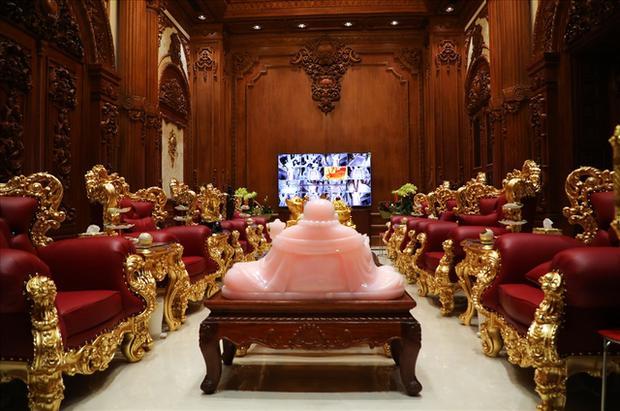 Xỉu ngang xỉu dọc lâu đài dát vàng ở Ninh Bình: Xây thô 400 tỷ, riêng cổng 40 tỷ-9
