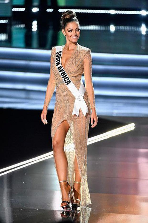 Màn catwalk lột váy của tân Hoa hậu chuyển giới Trân Đài bị bóc học lỏm Á hậu người Mexico-6