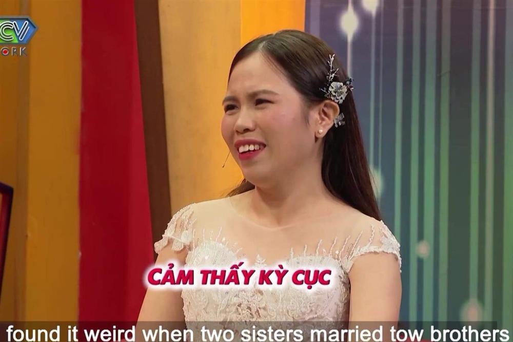 Hiếm lạ: Hai chị em lấy hai anh em, mẹ chồng hớn hở vui mừng-4