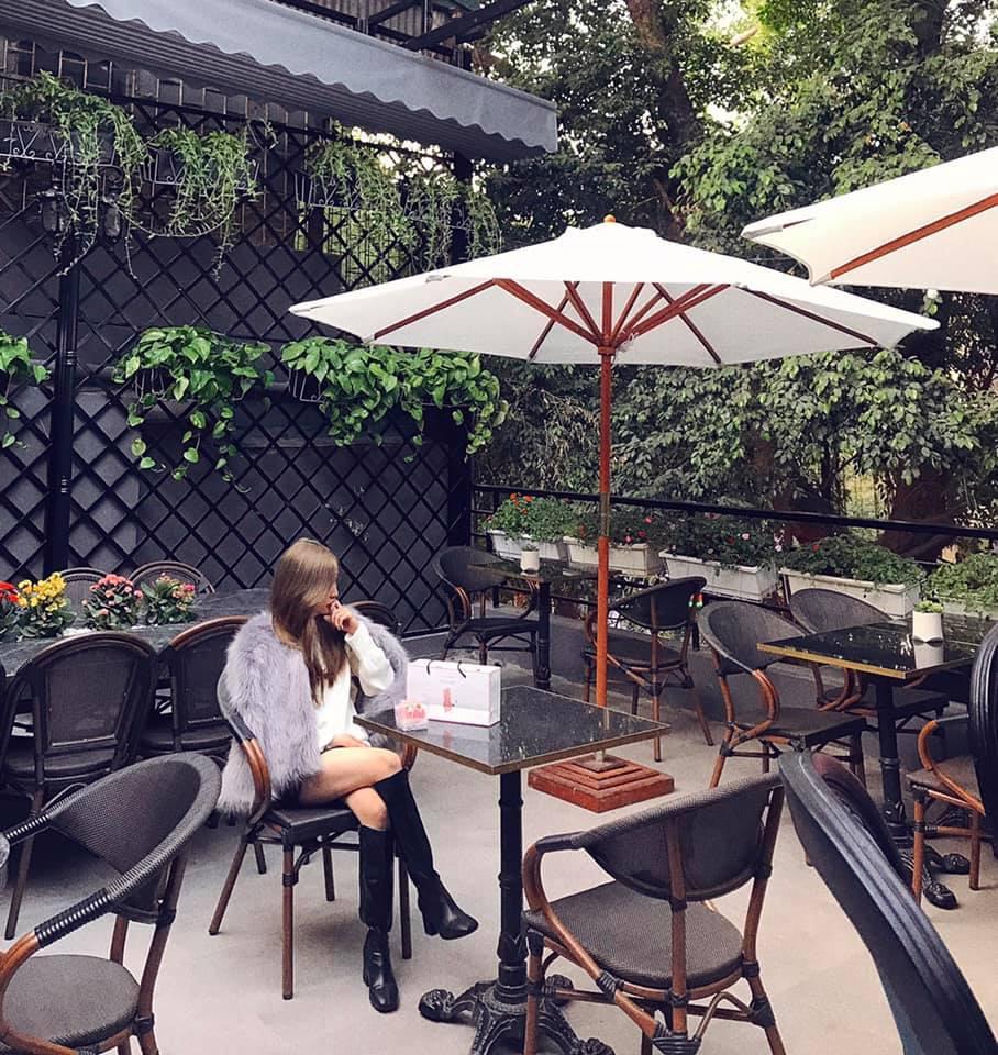 Đầu xuân ngọt ngào với 3 quán cafe tone hồng đốn tim hội bánh bèo ở Hà Nội-5