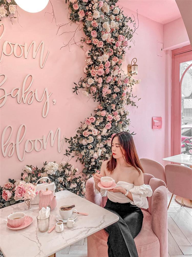 Đầu xuân ngọt ngào với 3 quán cafe tone hồng đốn tim hội bánh bèo ở Hà Nội-7