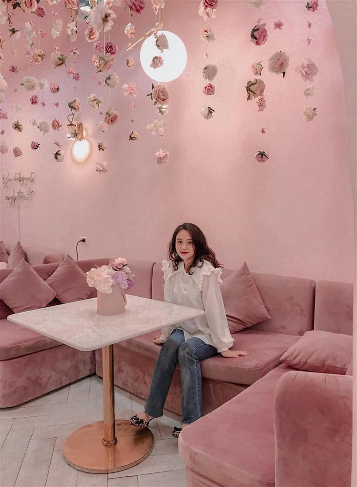 Đầu xuân ngọt ngào với 3 quán cafe tone hồng đốn tim hội bánh bèo ở Hà Nội-8