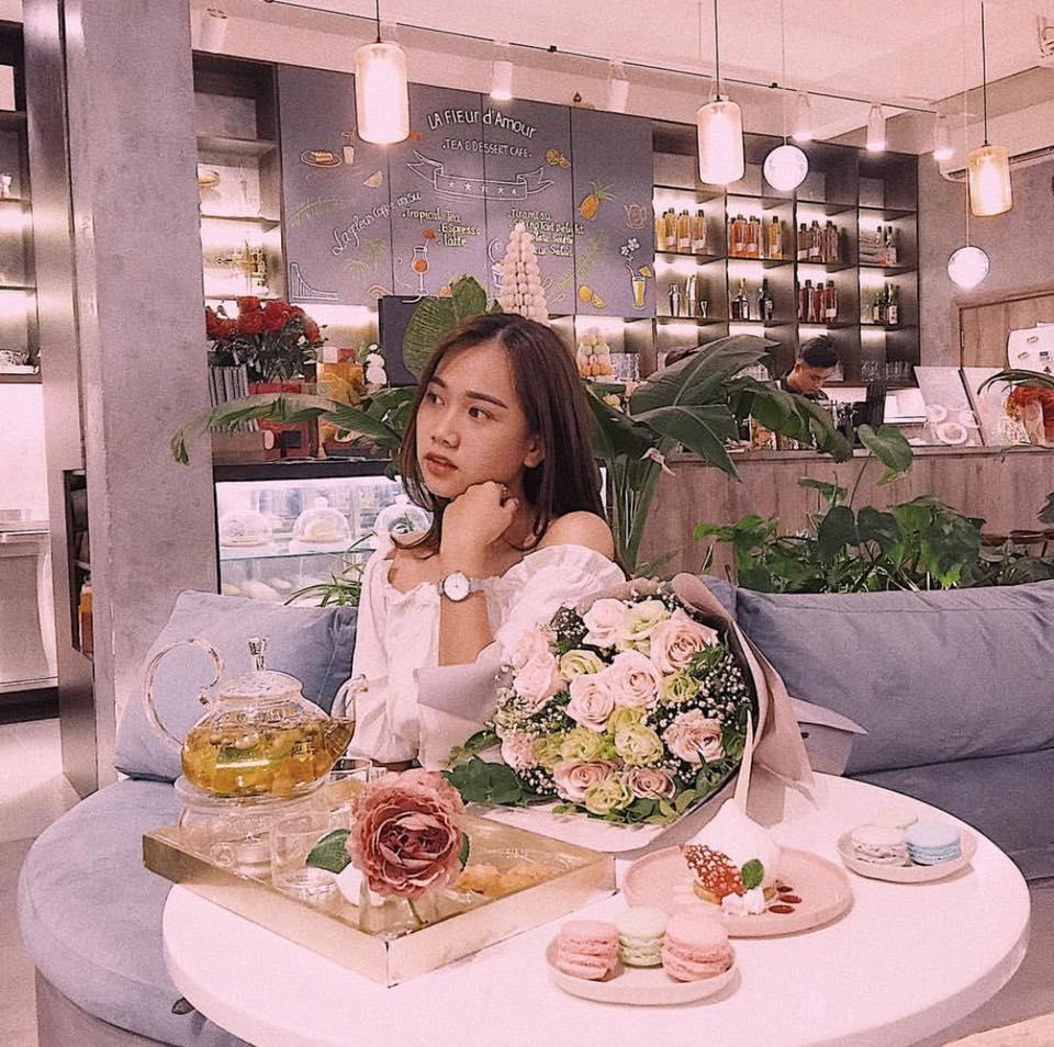 Đầu xuân ngọt ngào với 3 quán cafe tone hồng đốn tim hội bánh bèo ở Hà Nội-10