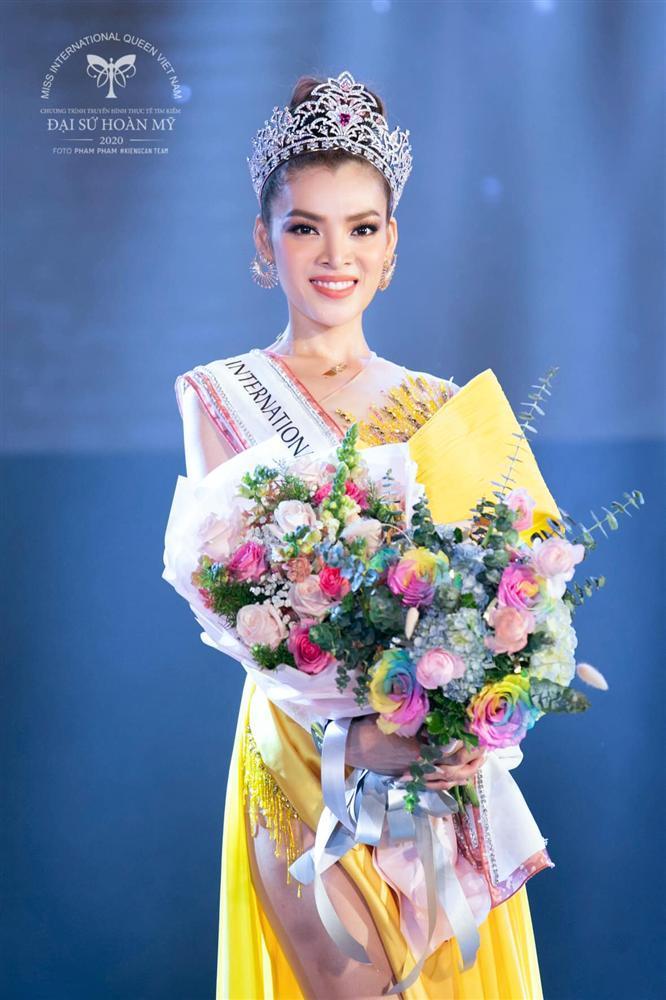 Tân Hoa hậu Chuyển giới 2020 Phùng Trương Trân Đài lộ ảnh quá khứ-3