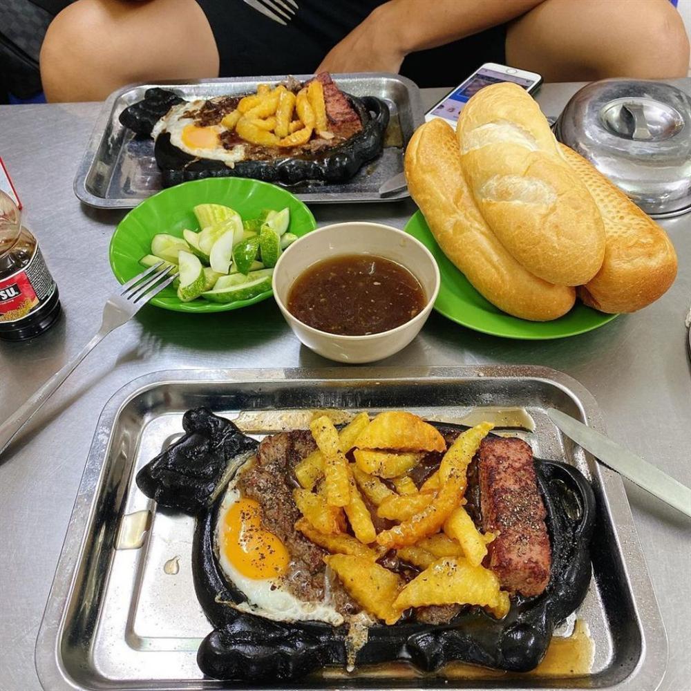 No căng bụng với 4 quán bít tết đông nườm nượp khách ở Hà Nội-1